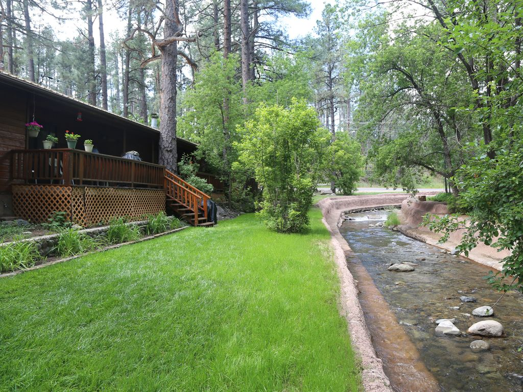 On the river in ruidoso 39 s upper canyon b vrbo for 6 bedroom cabins in ruidoso nm