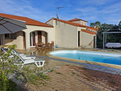 Photo for Cosy apartment for 8 guests with WIFI, private pool, TV and parking