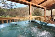 Cozy Cabin 5 Miles from Pigeon Forge Attractions, Free Access to Pool, Putt Putt, Fishing, Golf, etc