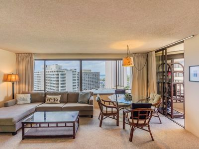Photo for Ocean and Mountain Views | Discovery Bay | Free Parking