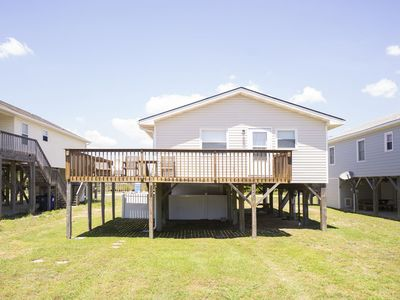 Photo for Cozy 3 bedroom beach cottage, Pet Friendly on Oak Island!