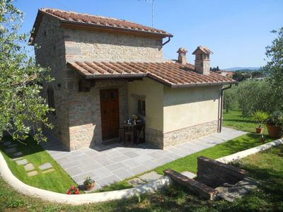 Photo for Up to 3 people  small stone villa with big garden, free Wi-Fi. Foiano della Chiana.