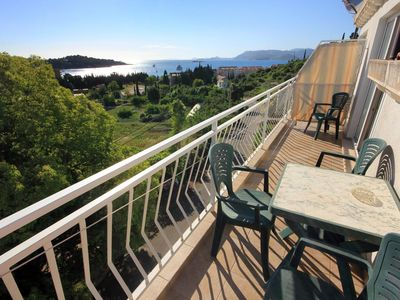 Photo for One bedroom apartment with balcony and sea view Cavtat, Dubrovnik (A-8829-a)