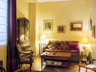 Photo for Charming cosy apt and design near Parc Monceau