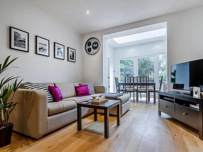 Photo for Peaceful Garden Flat in Islington!