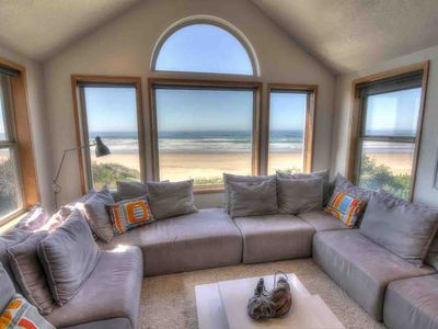 Photo for Oceanfront Home on Miles of Sandy Beach! Hot Tub / Game Room! Near Yachats Free Night!