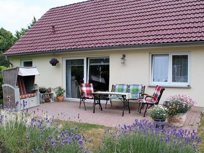Photo for Cosy Holiday Home in Hohenkirchen near Baltic Sea