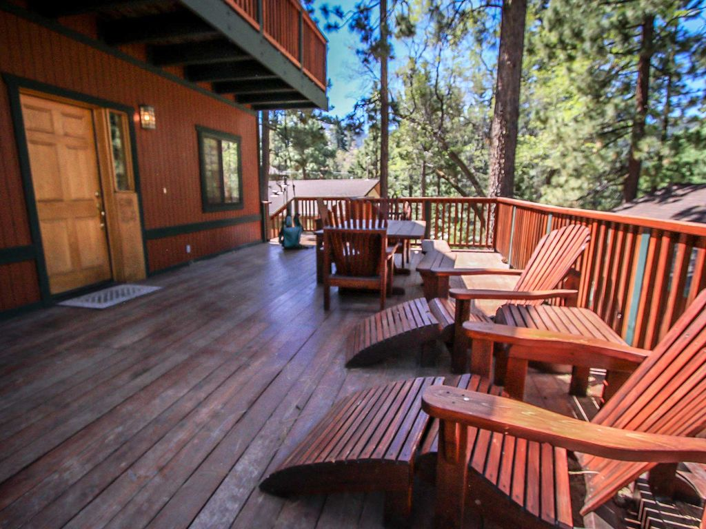 Moonridge lodge and cabins elk 39 s lodge 4 bedroom family for Big bear retreat cabins