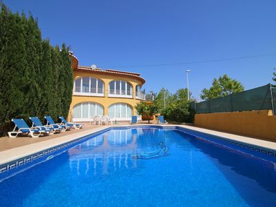 Photo for Beautiful villa Luisa with private pool, barbecue, a/c, close to the sea