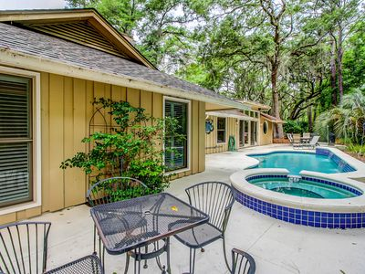 Photo for Spacious, renovated house with private spa and private pool!