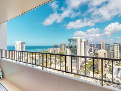 Photo for Spacious coastal condo with rooftop pool and amazing ocean views. Free parking!
