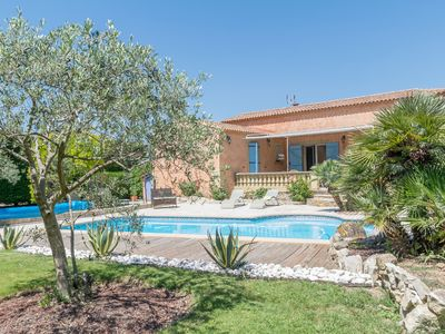 Photo for Villa Musiqueja - Beautiful villa, haven of peace in Provence for 4