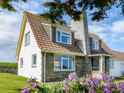 Photo for SHARMALYN HOUSE, family friendly in Harlyn, Cornwall, Ref 957908