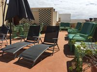 Comfortable, well equipped apartment with great roof terrace