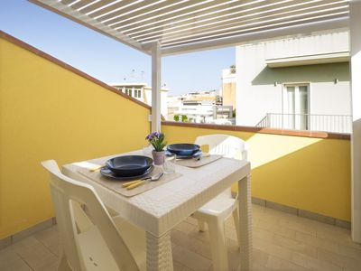 Photo for Casa Iride 2 is located in the center of the tiny village of Marina di Ragusa.