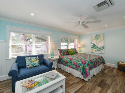 Photo for Tropical Breeze Resort - 1 Bedroom w/ Full Kitchen. Located in Siesta Key Village. Short Walk to Beach. INCLUDED: Daily Housekeeping, Bikes, 2 Pools/1 Spa, Beach Chairs, Beach Towels, WiFi, Parking , Games, BBQs and More!