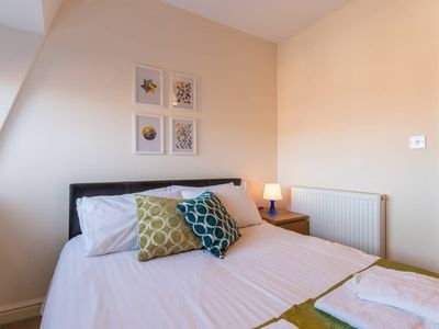 Photo for Westlecot House - Spacious 2 bed, 2 bath, Sleeps 6