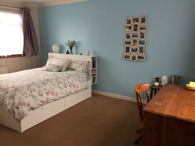 Photo for Peaceful double bedroom Brightons escape + wifi  TV perfect for canal walks