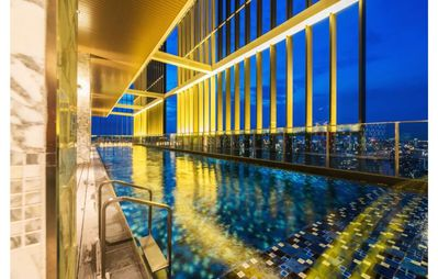 Photo for Modern Apartment with a Balcony and Sky Pool
