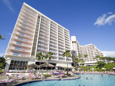 Photo for Ka'anapali Beach Club   deluxe ocean view..... just feet from the ocean!