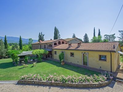 Photo for Stunning private villa with WIFI, private pool, TV, washing machine, panoramic view and parking