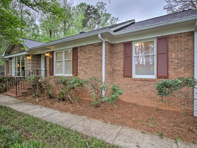 Photo for Spacious 5BR Home - 20 Mins to Winston-Salem