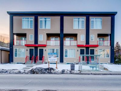 Photo for 4BR Townhome Vacation Rental in Calgary
