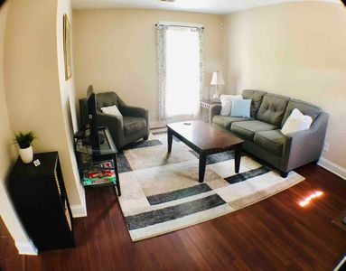 Downtown Updated & Spacious Condo, Long Term Welcome!