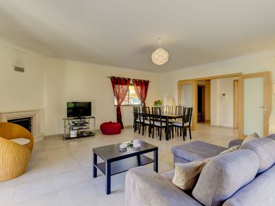 Photo for 4 bedroom Villa, sleeps 8 in Praia do Carvoeiro with Pool, Air Con and WiFi