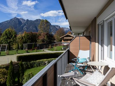 Photo for Central, quiet & stylish with 3-peak views!