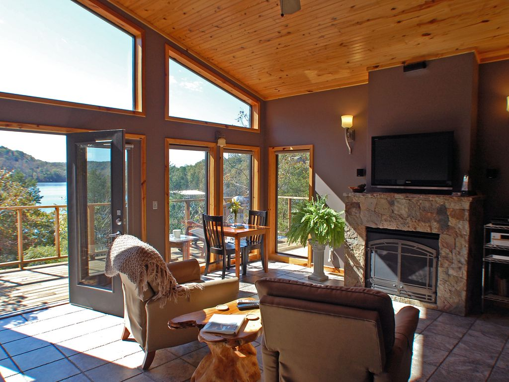 couples only glass front modern cabin lake view jacuzzi massage