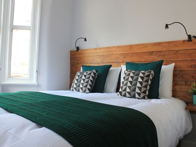 Photo for Alpha Place - beautiful one bed GF flat with garden