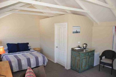 Bed and ensuite