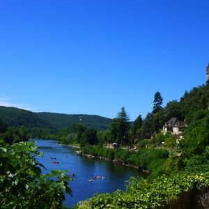 La Malartrie's spectacular location seen from La Roque Gageac
