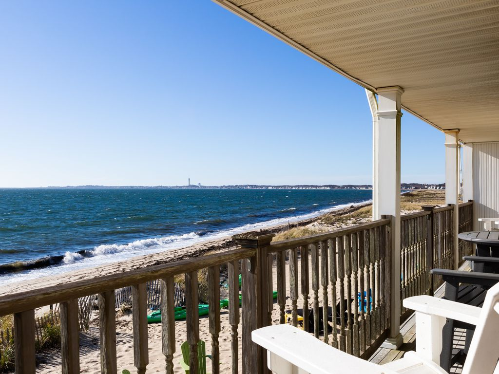Year Round Direct Oceanfront Private Beach 2bedrm 2bath A