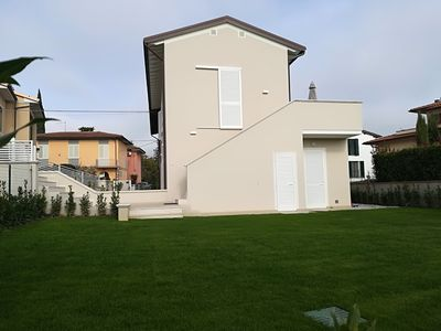 Photo for Elegant apartment-Garden, barbecue, WiFi, air conditioning and washing machine