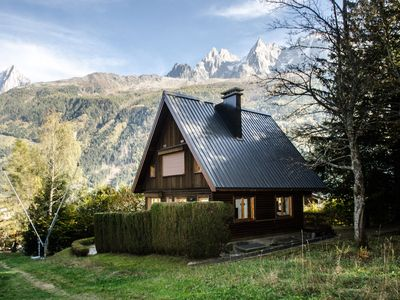 Photo for Authentic and spacious chalet with superb views of the surrounding mountains