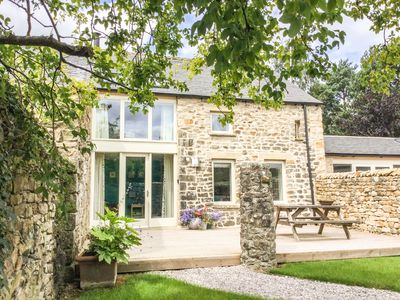Photo for OLD CROW TREES BARN, luxury holiday cottage in Melling, Ref 932964