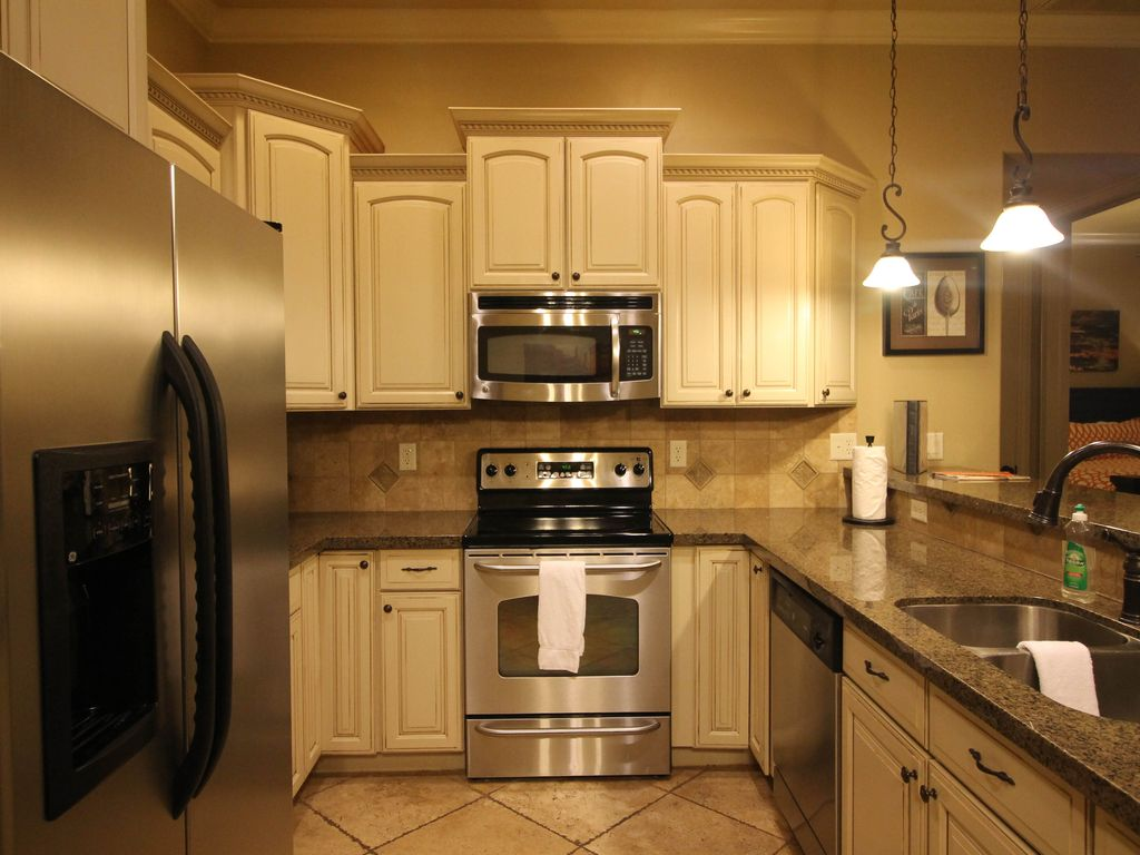 a12 top floor fireplace and jetted tub 2 bed 2 bath washington