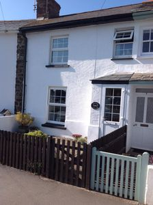 Photo for A traditional character cottage close to beaches, Bude town centre and the canal