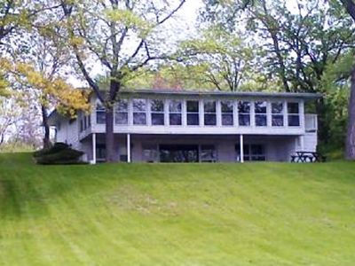 Great Views, Swimming, Fishing - Large Yard for Family Activities On the Lake!