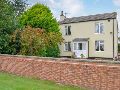 Photo for 3 bedroom accommodation in Tumby Woodside