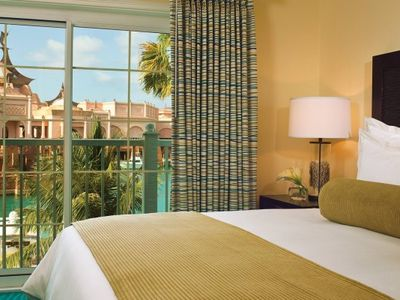 Photo for Harborside w/ Free Atlantis Access**5-7 Nights Low Rate