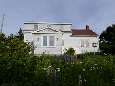 Photo for Retro cottage at the end of the road with panoramic sea views