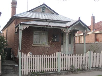 Photo for Charming Cottage in keeping with Bathurst rich federation heritage