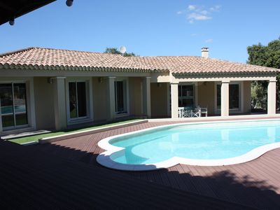 Photo for Family villa with pool, quiet, for 8 people