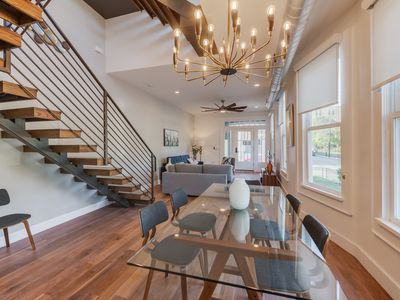 Photo for Luxury Living at The Riverwalk/The Pearl