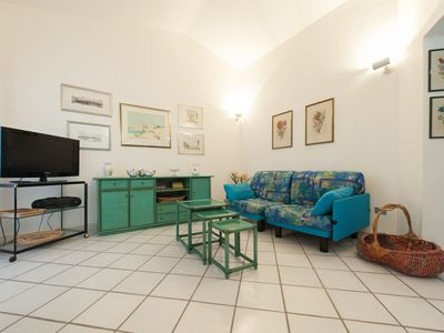 Photo for Cosy Holiday Apartment near the Beach with Balcony & Sea View