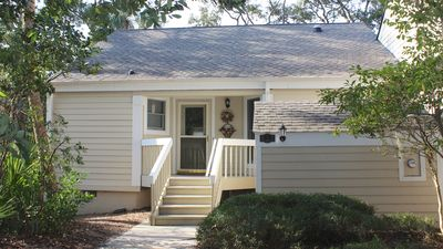 Photo for Updated 2 bedroom/ 2 bathroom villa with a sunroom and a fairway view.