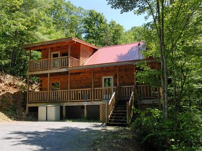 Photo for Secluded, Fun 2BR Smoky Mountain Cabin near Gatlinburg with Pool Table